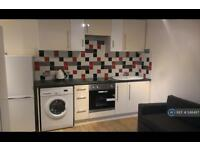 1 bedroom flat in Marine Parade East, Clacton-On-Sea, CO15 (1 bed)