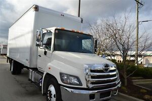 2014 Hino 338 c/w 24' Van  GPT 3 level Ride Gate 60X80 Pl...