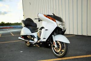 2014 Victory Motorcycles VISION TOURING BLANC PERLE