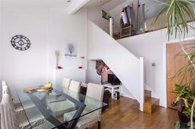 Fantastic 2 bedroom apartment with Mezzanine Area Close to Kings Cross & Camden Town..
