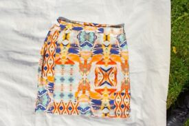 Patternd mini Skirt with elastic Waist / Independent London Brand / Size S