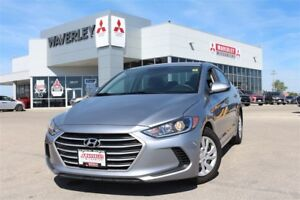 2017 Hyundai Elantra LE*ONLY 24,061KMS!  BEAUTIFUL SHOWROOM COND
