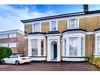Quaint 2 double bedroom flat to rent in North Finchley, N12