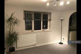 1 bedroom flat in Percy Gardens, Surrey, KT4 (1 bed)