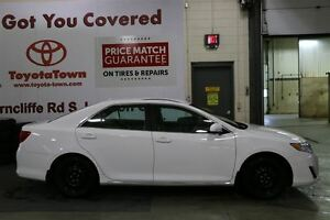 2014 Toyota Camry LE UPGRADE WITH NAVIGATION - SNOW TIRES! London Ontario image 3
