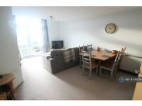1 bedroom flat in Lloyd George Avenue, Cardiff, CF10 (1 bed) (#1080761)