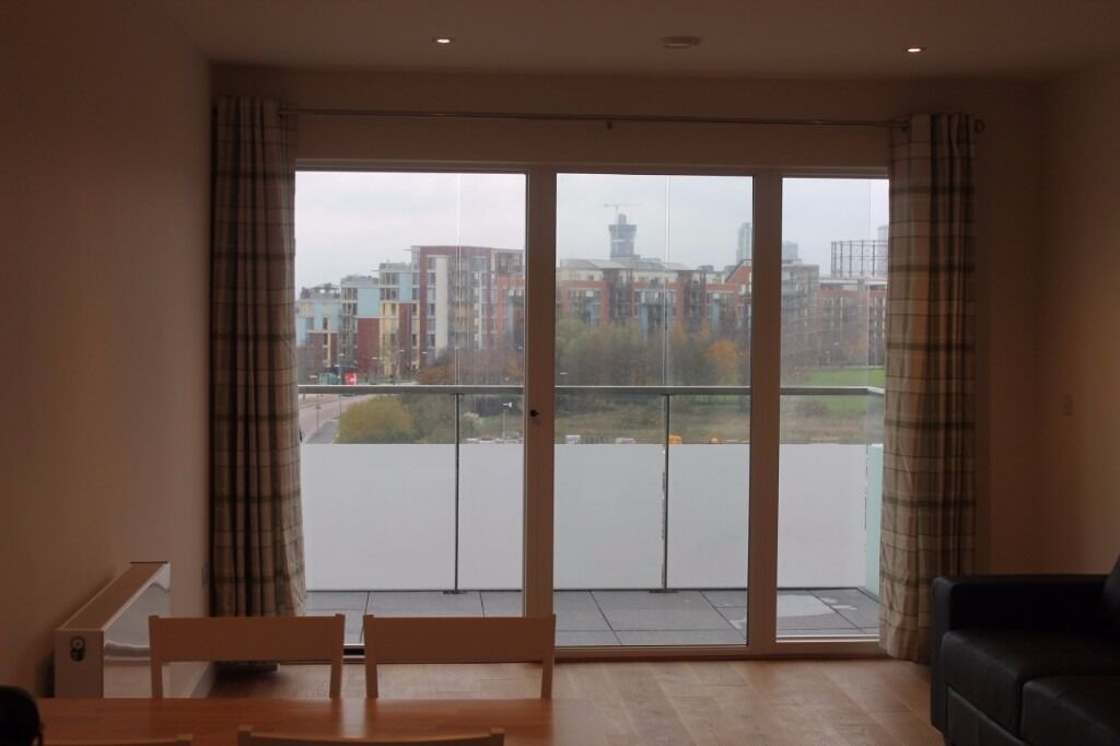 -Modern 1 bed apartment available in so popular Greenwich Millennium village in beginning December!