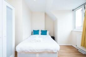 3 bedroom flat in Maxey Rd, Dagenham, RM9