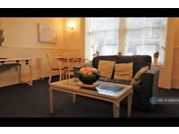 1 bedroom flat in Balmoral Place, Halifax, HX1 (1 bed) (#1088454)