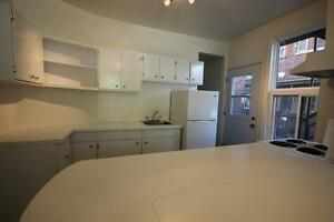 Renovated 4.5 available Immediately - NDG - Decarie