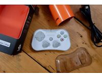 Stratus Wireless Game Controller for iOS in White