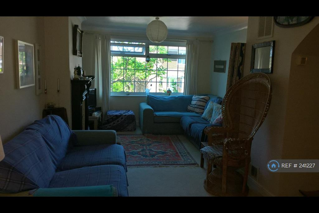 1 bedroom in Connell Drive, Brighton, BN2