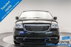 2016 Chrysler Town & Country Touring * DVD