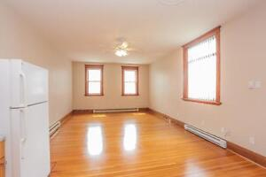 128 Briscoe Street - 2 Bedroom House for Rent London Ontario image 5