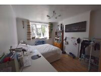IDEAL FOR STUDENTS SPACIOUS MODERN 5 DOUBLE BEDROOM MAISONETTE
