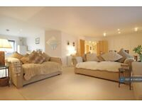 3 bedroom flat in Islington Gates, Birmingham, B3 (3 bed) (#1048064)