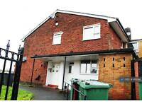 Studio flat in Chesham Fold Road, Bury, BL9