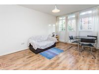 Lovely One Bed Flat With Private Balcony, Close To Old Street and Angel. Suits A Couple or Single