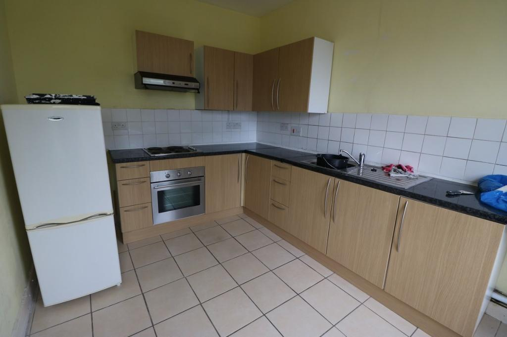 2 bedroom flat in Palmerston Road, Forest Gate