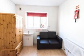 We are happy to offer this beautiful and bright studio apartment in Holloway Road, Islington, N7