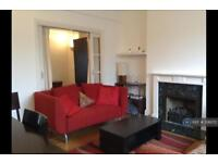 3 bedroom flat in Allingham Court, London, NW3 (3 bed)