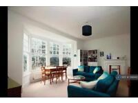 3 bedroom flat in Princes Avenue, London, N10 (3 bed)