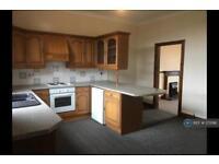 2 bedroom flat in Lewis Place, Dumfries, DG2 (2 bed)