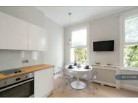 1 bedroom flat in Philbeach Gardens, London, SW5 (1 bed)