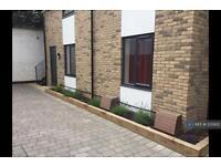 1 bedroom flat in High Street, St Neots, PE19 (1 bed)