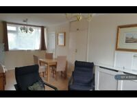 5 bedroom flat in Lorrimore Square, London, SE17 (5 bed) (#1118580)