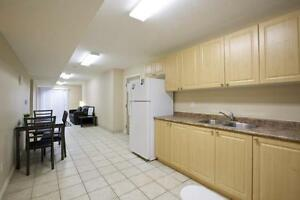 Beautiful 5-bed Apts. - Wifi & AC Included! CALL TODAY! Kitchener / Waterloo Kitchener Area image 3
