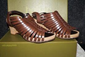 ladies hotter sandals, size 5