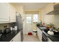 3 bedroom house in Brent Way, West Finchley, N3