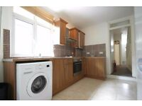Fantastic 4 Double Bedroom 2 Bath House On Selkirk Road close to Tooting Broadway Tube Station