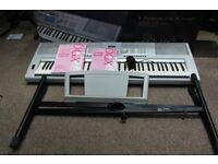 Yamaha DGX-205 keyboard and stand