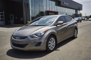 2013 Hyundai Elantra LOW LOW KMS / HEATED SEATS / BLUTOOTH AND M