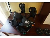 Barely used snowboard boots and bindings UK 8.0