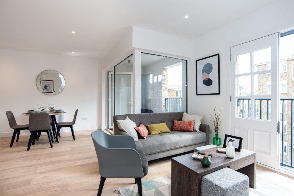 E14 7SZ Royal Quay, easy access to Canary Wharf, Designer Furnished, Balcony, Available