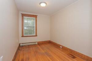 128 Briscoe Street - 2 Bedroom House for Rent London Ontario image 10