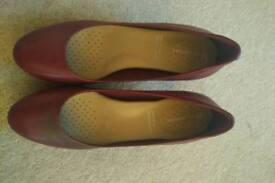 Women's red classic heel court shoes. Adidas. Size 4.