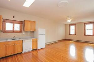 128 Briscoe Street - 2 Bedroom House for Rent London Ontario image 4
