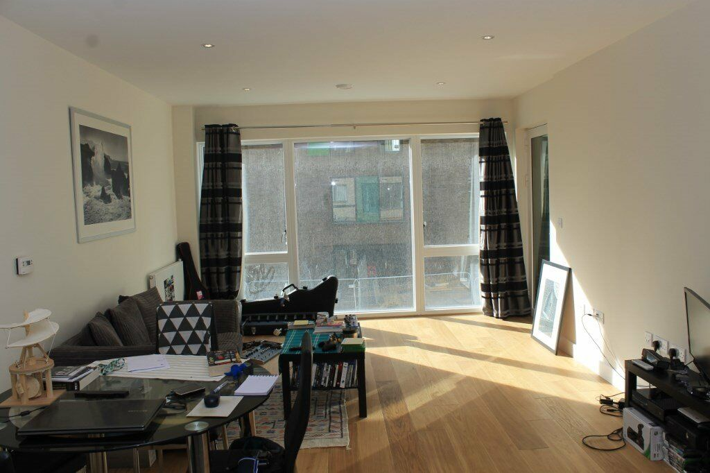 # Stunning brand new 1 bed available now in Landmann point - North Greenwich!!