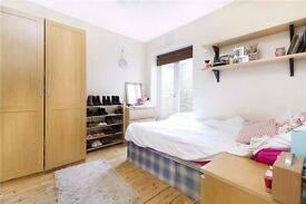 **Great 3 bedroom property with a large living space a stones throw form bustling Brixton**