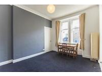 2 bedroom flat in Springwell Place, Edinburgh,