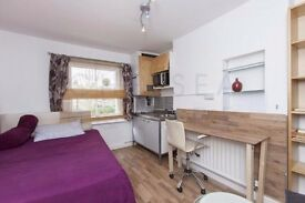 Cute studio -W.Hampstead -quiet street short walk to 3 stations- Wood flooring & interior designed