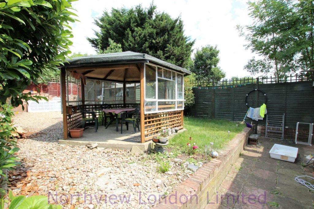 4 bedroom house in Fairfax Road, Harringay, N8