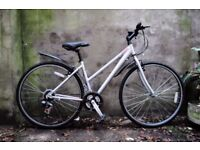 RALEIGH PIONEER URBAN. 17.5 inch, 44 cm. Ladies womens aluminium hybrid road bike, 21 speed