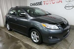 2012 Toyota Matrix Touring + Toit
