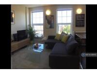 1 bedroom flat in Ewell Road, Surbiton, KT6 (1 bed)