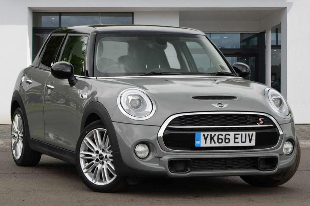 Mini Hatch Cooper S Moonwalk Grey 2016 In Kensington